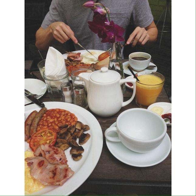 eM Breakfast
