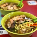 Prawn Noodle ($5) ⭐️ 3.5/5 ⭐️ 🍴This prawn mee store has been around for 30 years 😱 but unfortunately, I think their standard has fallen over the years.