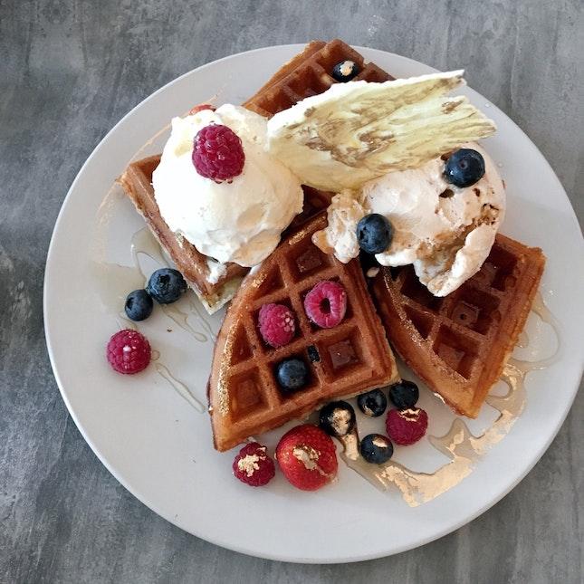Berries Waffle