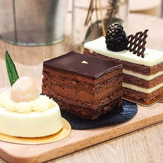 Be ready to get spoiled for choices at Caffe Pralet with their wide selections of cakes.