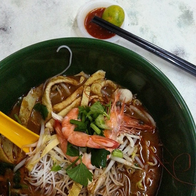 Sarawak Laksa again for breakfast ♡♡ can't wait for a week more to have the best :3  #takepicha #dinewithannna #livetoeat #food #foodpic #foodphotography #foodspotting #foodie #foodgasm #foodporn #nomnom #yummy #delicious #breakfast #sarawak #laksa #sarawaklaksa #bangsar #auntchristina