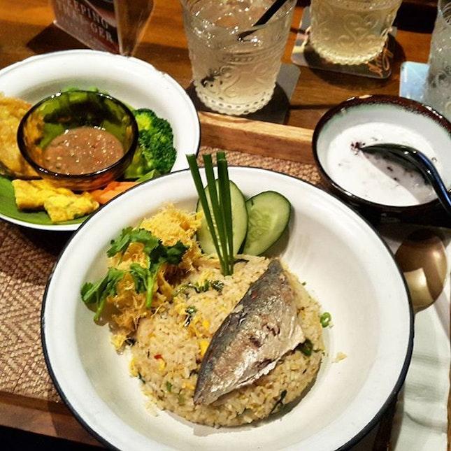 My favourite Pla Tu Rice from @ekkamai.my 😍😍😍 #takepicha #dinewithannna #livetoeat #platurice #ekkamai #ekkamaimy #jalanbatai #food #foodie #foodpic #foodstagram #foodgasm #foodspotting #burple #omnomnom