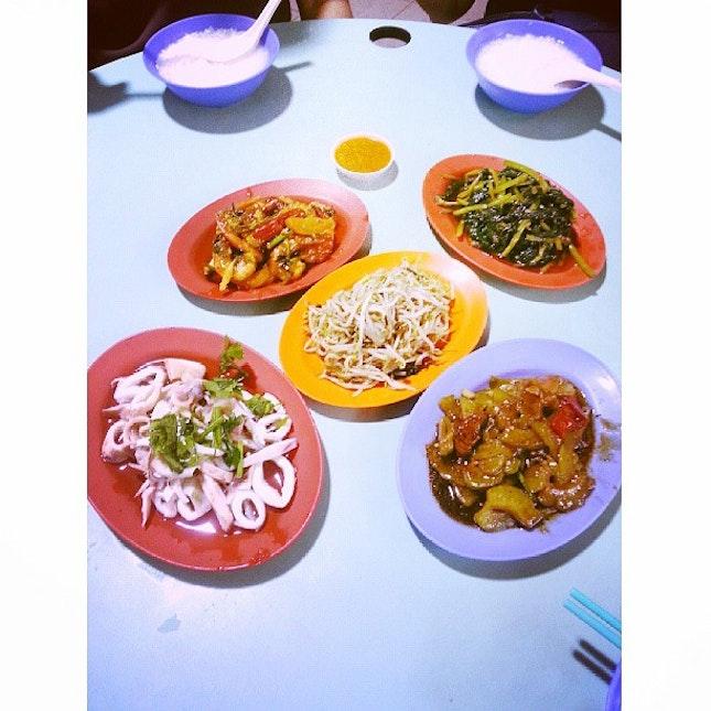 Dinner tonight with the family(: #sgfood #foodsg #igsg #sgig #sgigfoodies #singaporefood #singaporean #singapore #sg #sghawker #localeats #localfood #instasg #instagramsg #shiok #makanhunt #foodphotography #foodstamp #foodspotting #foodstagram #instafood #foodblog #fooddiary #foodforfoodies