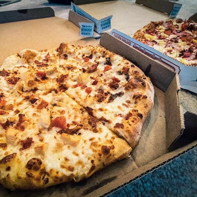 best convenient food for parties 🍕 but here, we order it because it's actually really good!