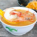 Of all the prawn noodle stalls in Singapore, I visit the Zion Riverside Food Centre's most frequently.