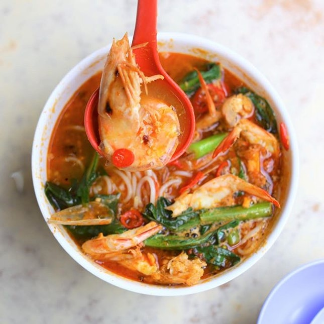 Big Prawn Bee Hoon with robust soup.