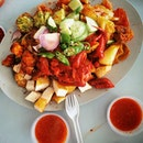 I love #indianrojak and for me, I usually goes to the #ayerrajahfoodcentre when I have craving for this #sglocalhawkerfare There are 2 stores selling and both of them are equally good!
