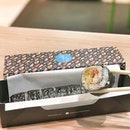 <🇩🇪> Das Glück hilft dem Kühnen <🇬🇧> Luck favours Perseverance • 🍱: Little Maki - S$7.90 📍: @rollwithmakisan Singapore 📝: Seaweed Wrap, Japanese White Rice, 3 Fillings (Ebiko, Tuna Mayo, Avocado), 1 Sprinkler (Almond Flakes), Sauce (Lava Flava)