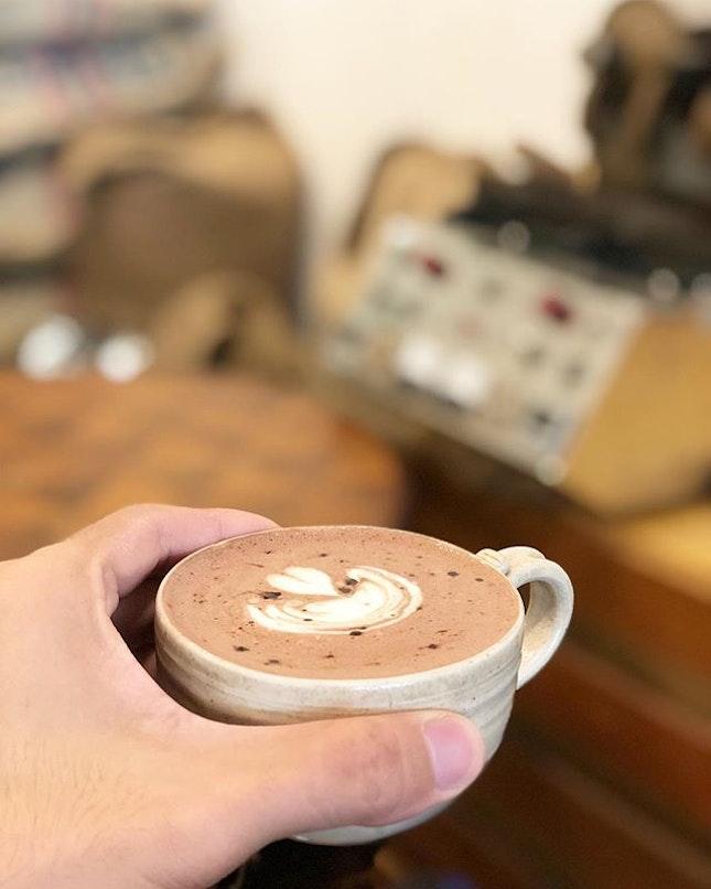 <🇨🇳> 人不可貌相 <🇬🇧> Never judge a book by its cover • ☕️: Hot Chocolate - S$6 📍: @tionghoespecialtycoffee Singapore