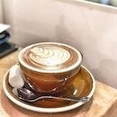 <🇫🇷> Un ami, c'est quelqu'un qui vous connaît bien et qui vous aime quand même <🇬🇧> A friend loves you despite your flaws • ☕️: Hot Chocolate - S$5 📍: @wai_cafe Singapore