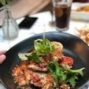 <🇩🇪> Was sich liebt, das neckt sich <🇬🇧> Teasing is a form of affection • 🧀: Chicken Parmigiano - S$27++ 📍: @pscafe @rafflescitysg Singapore