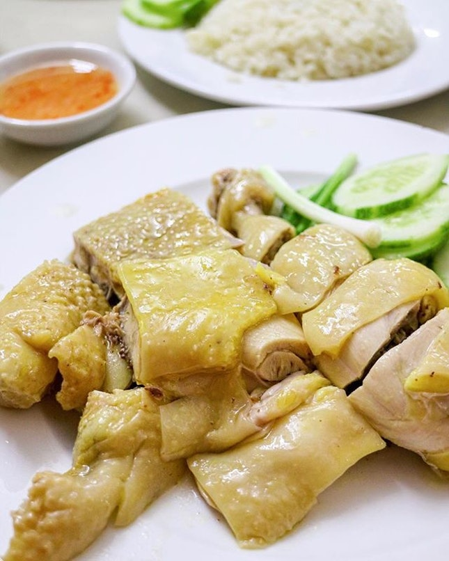 Since there's a huge Chinese influence here in Ho Chi Minh, why not try their Hainanese chicken rice to compare how different it is here and back home?