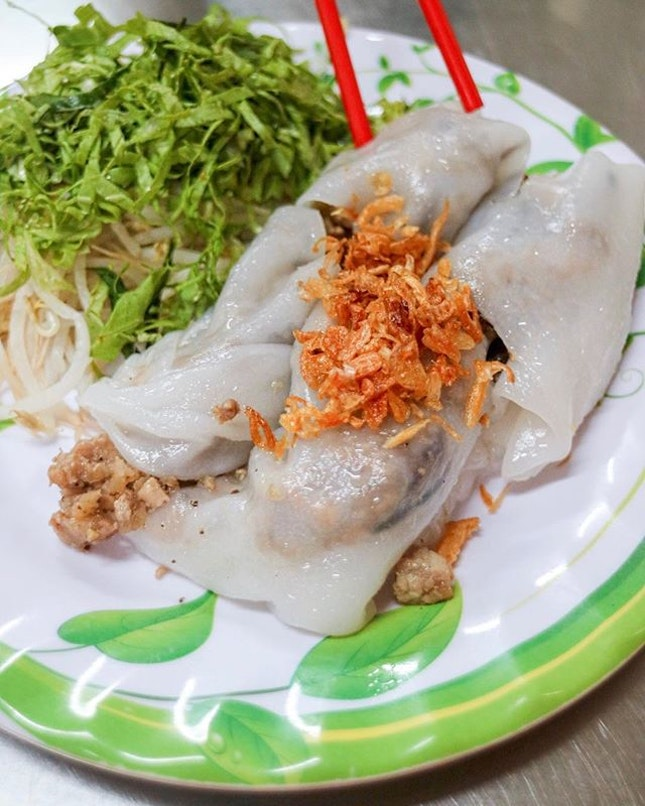 Never would I have imagined that I will like this Vietnamese steamed rice noodles roll so much.