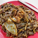 After a sudden craving the night before, I immediately head down to Hong Lim Complex the following day to satisfy my char kway teow fix at one of the holy grails of fried noodles in Singapore, Outram Park Fried Kway Teow Mee.