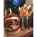 Breakfast of Champions  Wagyu beef patty, sunny side up, bacon, hash brown, lettuce, tomato & garlic mayo  #roadhouse #whateileeneats #dempsey #burpple #burgers
