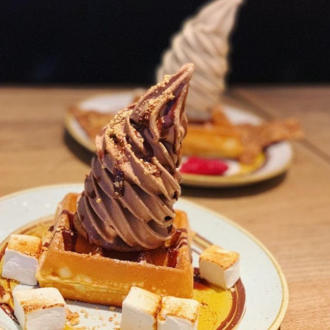 One of my favorite place to go for waffles, I was even happier when I realized @chopesg has a 10% discount for @wearesunday on #ChopeDeals!