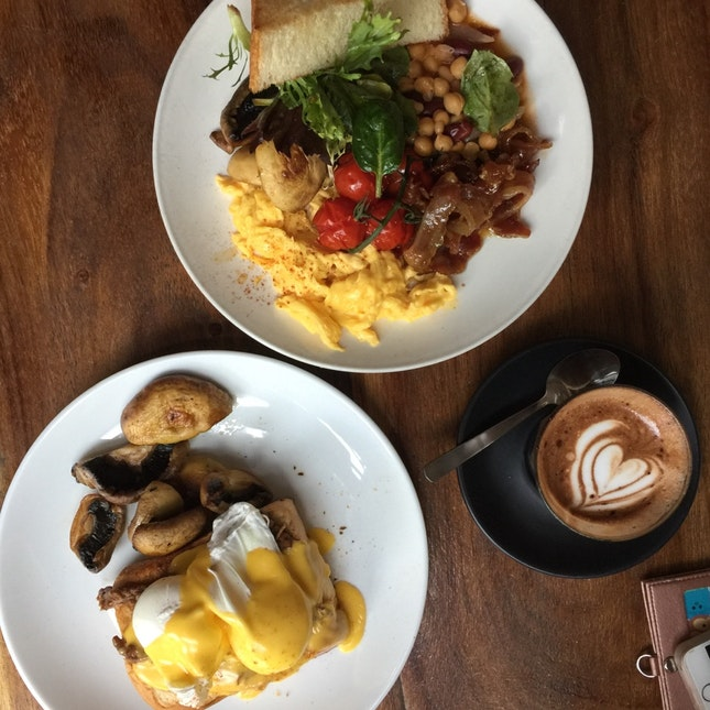 Brooklyn Eggs Benedict &  Champs Breakfast
