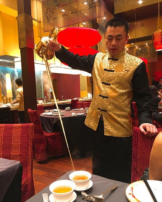 Always enjoy having a cup of Eight Treasure tea avant dîner.