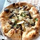 Hand Tossed Truffle Mushroom Pizza