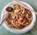 hokkien fried noodles 👍🏻 7.9.18 #foodporn #sgfoodporn #foodsg #sgfoodies #instafood #foodstagram #vscofood #burpple #hungrygowhere #hawkerfood #hawkercentre
