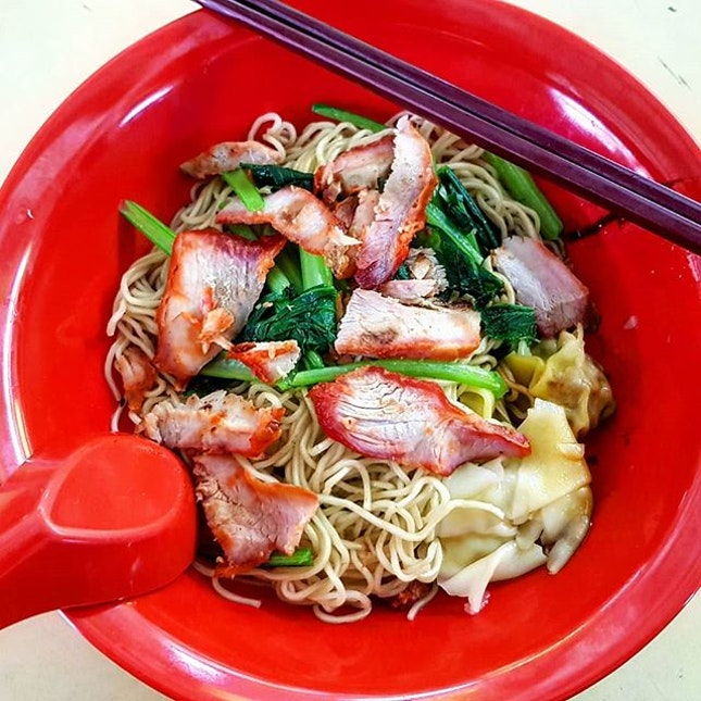 wanton noodles 👍🏻 15.9.18 #foodporn #sgfoodporn #foodsg #sgfoodies #instafood #foodstagram #vscofood #burpple #hungrygowhere #hawkerfood #hawkercentre