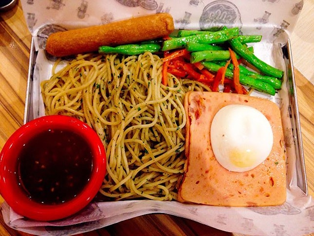 Slurpy BF (RM9.50)  SPAG & JU'S Review - This was a tightly knit space with a small crowd serving up a local favourite in hawker stalls and food courts which sell Western-style food.