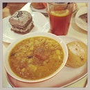 #eatlike #spanishway #healthy #soupset #today #eatclean #eatfresh #eathealthy #instafood #foodporn #foodlover #burpple #instalunch #latergram #thesoupspoon