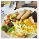 #startyourdayright w/ #heartymeal #breakfastplatter 🍳 #healthydiet #instafood #foodporn #foodlover #burpple #instabreakfast #instaweekend #thecoffeebeanandtealeaf #felzfooddiary