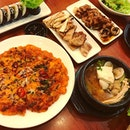 #happyhumpday #hotstuff for the #rainyday #koreancuisine #especially #warmingup #tumtum #instafood #foodporn #foodlover #burpple #instadinner #hansikkoreanrestaurant #felzfooddiary
