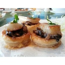 baked scallop pastry with mushrooms ..