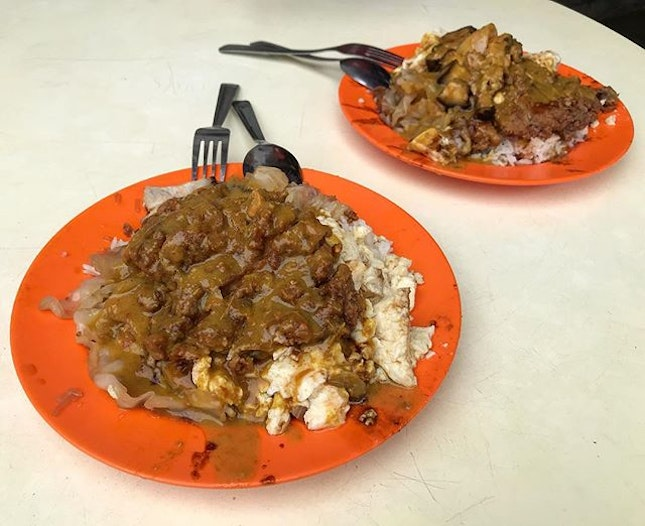 Curry-soaked goodness from Loo's Hainanese Curry Rice!