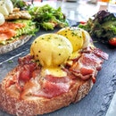 Epic bacon tartine 😍 Did I mention that I love bacon?