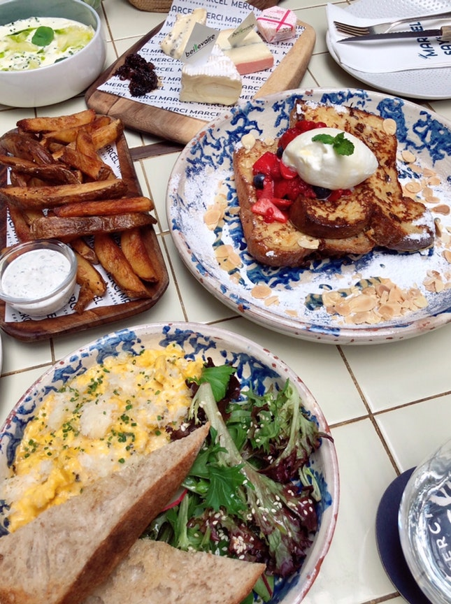 Scrambled Eggs, French Toast, Pizza, Soft Cheese Platter, Truffle Fries