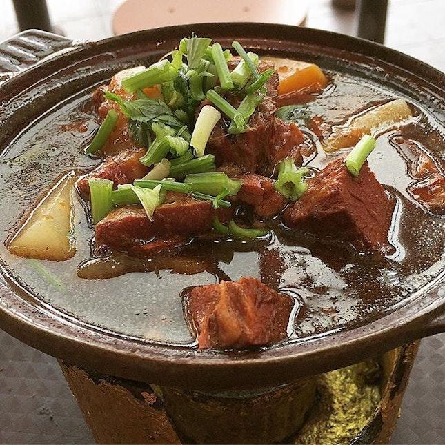 Stew Beef & Tendon Fire-pot @ Soon Lee Stew Beef (牛二代), 120 Bukit Merah Lane 1, Alexandra Village Food Centre #01-16.