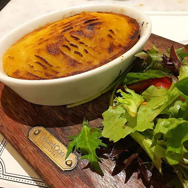 Shepherd's Pie With House Salad & Kuay Pie Tee @ VO, 2 Orchard Turn, ION Orchard #03-28/29.