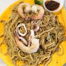 Hokkien Mee($6) cooked over Charcoal fire?🔥😲 Thats' a first for me.