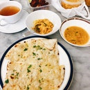 Aloo Gobi, Dal Tadka, Garlic Naan, Tandoori Chicken