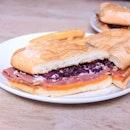 Corned Beef Ciabatta on a lazy Sunday afternoon sounds about right ☀️ // @foodievstheworld @coastessg @funwitha_g .