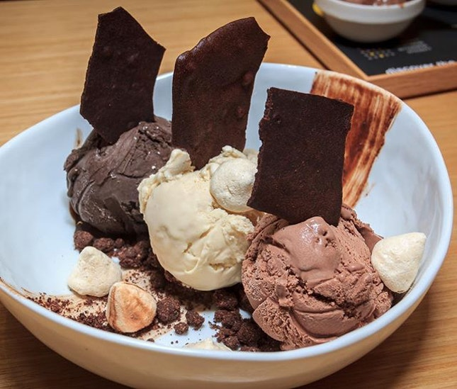 With Singapore's weather being like an oven lately, some ice cream would be great right now.