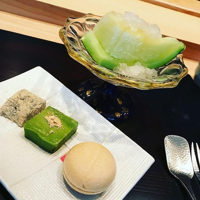 Some things look so simple but taste so damnnn good :: shaved melon ice on Japanese musk melon // Rose tea ice cream japanese macaron // Matcha chocolate // Mochi :: miso shiro soup :: @kishosg #omakase #corainsingapore .