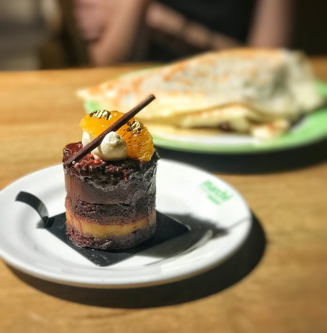 Vienna Almond Orange Cake (6.90+)