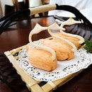 Crispy Swan Puff With Cod Fish in Cream Sauce $8.80