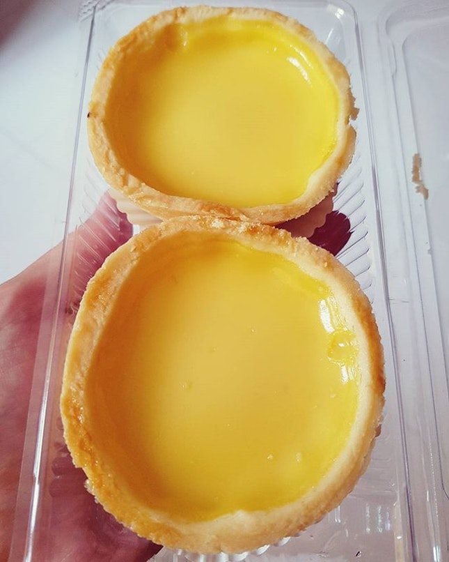 Egg tarts for brekkie before ✈ - $1.20 each!