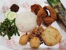 Pricey nasi lemak ($11.30) 😋😅 .