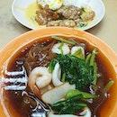 Seafood hor fun ($5) & Salted egg pork ribs with egg ($7.50) 😍😋👍🏼 .