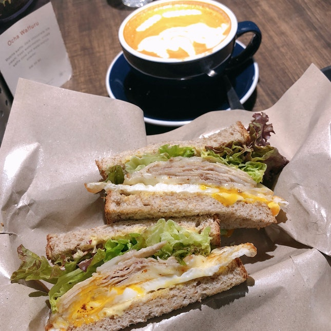 Sliced Roasted Pork And Egg Sandwich