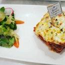 Beef lasagna with salad #audreycafe #audreycafebangkok #wheretoeat #wheretotravel #burrple #bangkokfood #audreycafethonglor #beeflasagna #beef #salad