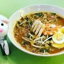 """Absolutely gorgeous and in a large way, a healthy alternative if you need to satisfy your """"sour mee siam"""" desire."""