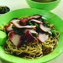 There are many wanton Mee stalls in Singapore but Soon Kee serves one of the best!