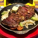 [Finger Steak-$14.90]  The carnivore in me squealed in delight when this sizzling plate of steak was served.